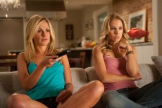 Anna Paquin and Kristen Bell in Scream 4