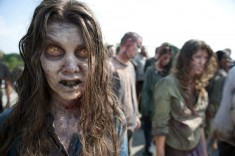 walking-dead-episode-201-01