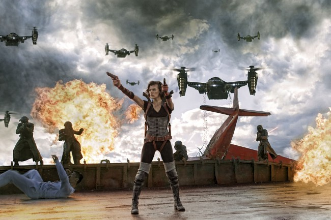 Resident Evil Retribution Movie Milla Jovovich as Alice with Guns