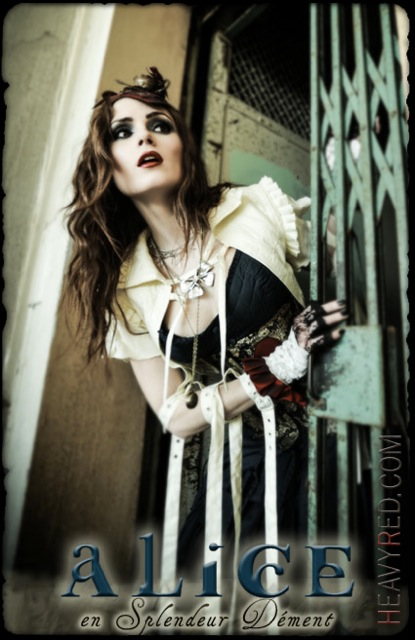 Heavy Red Alice in Wonderland Dement