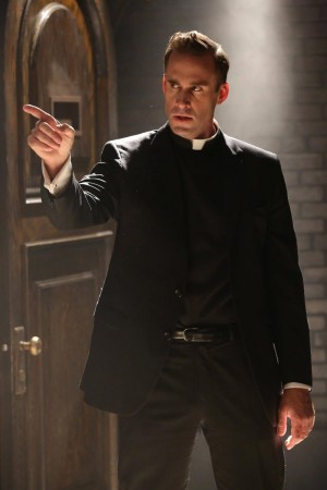 american-horror-story-04