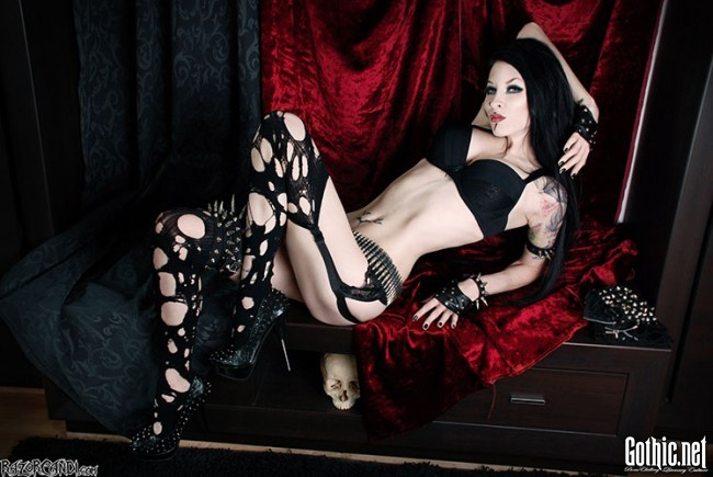 Exclusive interview with goth fashion icon RazorCandi